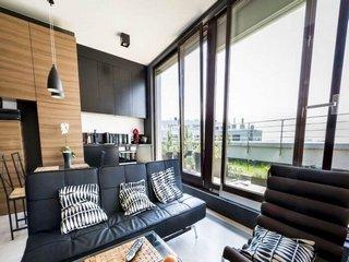 Inchiriere  apartament  cu 3 camere  decomandat Iasi, Rediu  - 230 EURO lunar